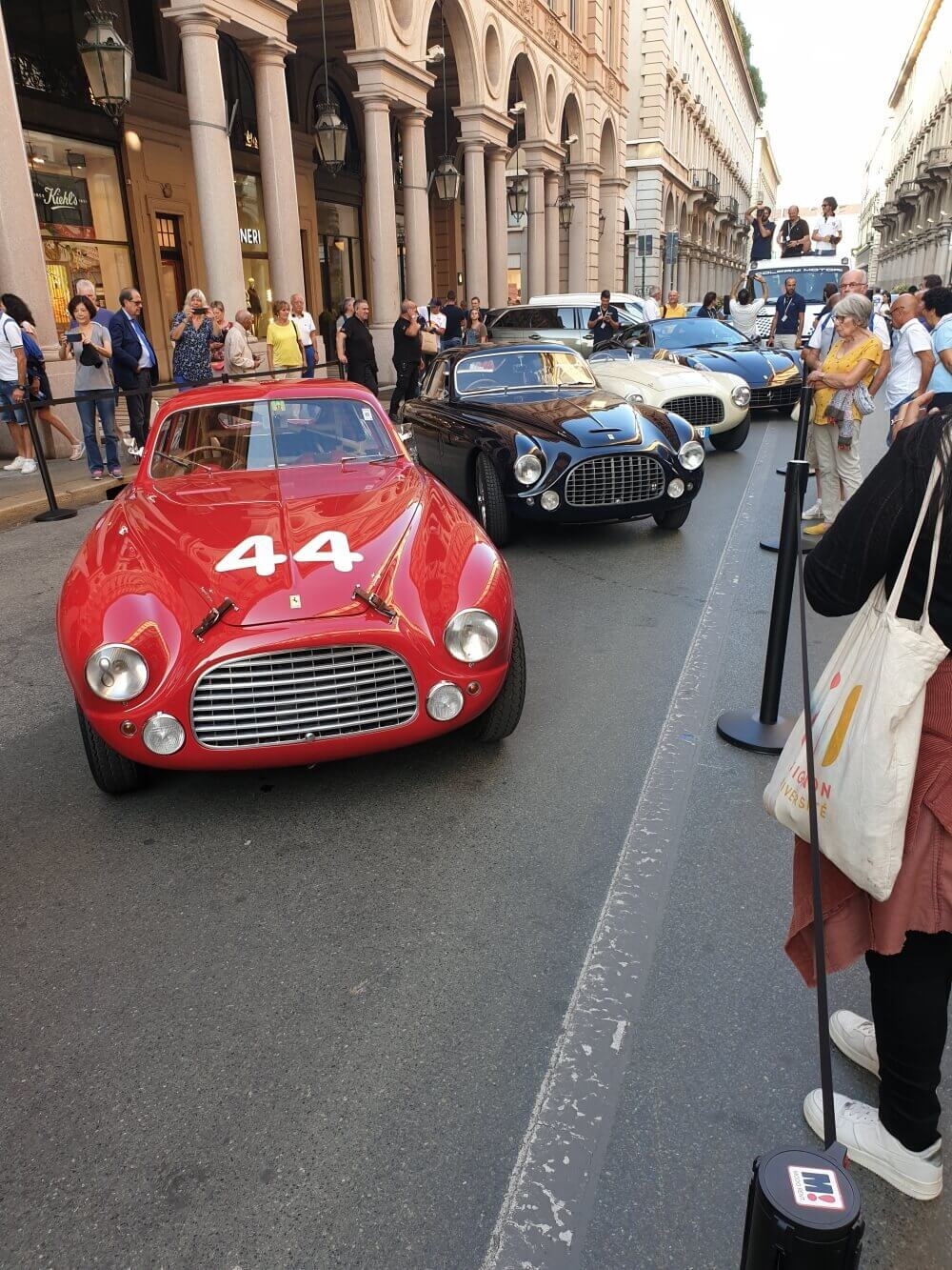 Zabytkowe samochody w Turynie