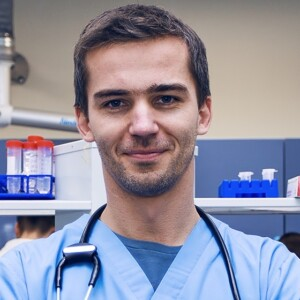 dr Adrian Janiszewski